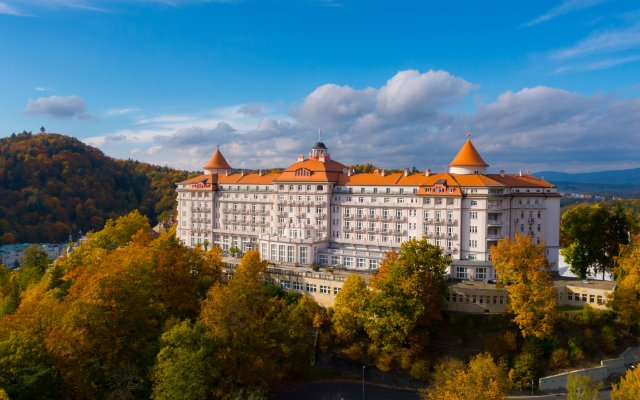 Hotel Imperial Карловы Вары вид на фасад