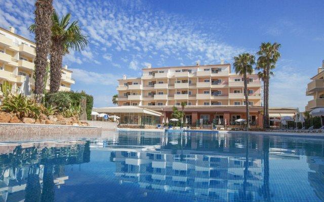 Отель Vitor's Plaza бассейн