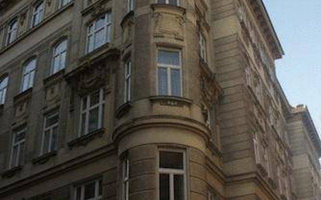 Отель Pension Quisisana Австрия, Вена - отзывы, цены и фото номеров - забронировать отель Pension Quisisana онлайн вид на фасад