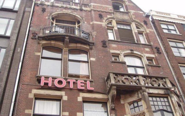 Отель MANOFA Амстердам вид на фасад