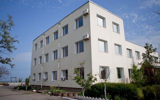 Отель Baza Otdyha Lotsman Бердянск вид на фасад