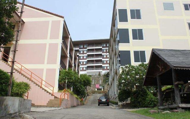 Отель Sp House Phuket пляж Ката парковка