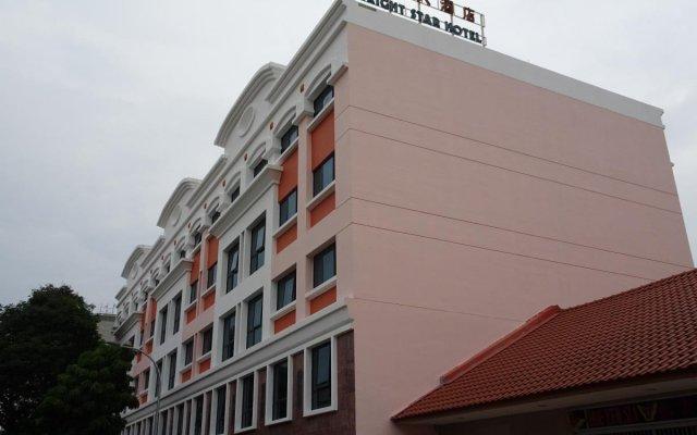 Bright Star Hotel вид на фасад