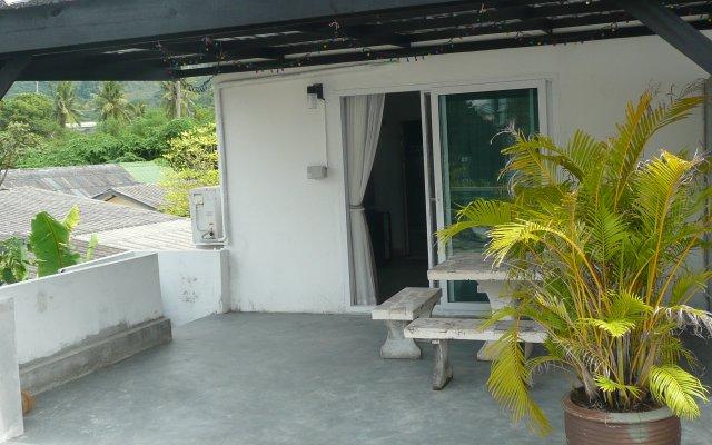Отель Green Phuket Guesthouse вид на фасад