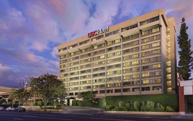 USC Hotel вид на фасад