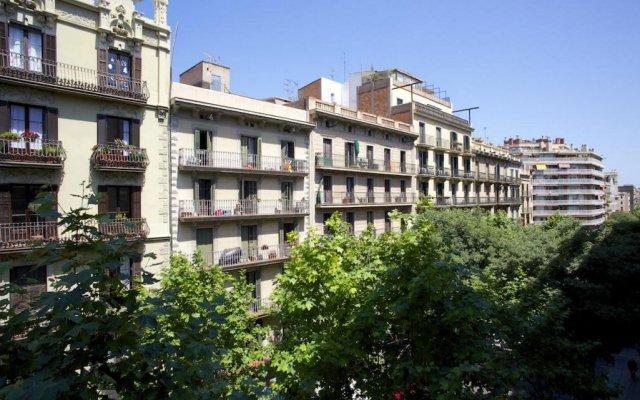 Отель BarcelonaForRent Eixample Suites Барселона вид на фасад