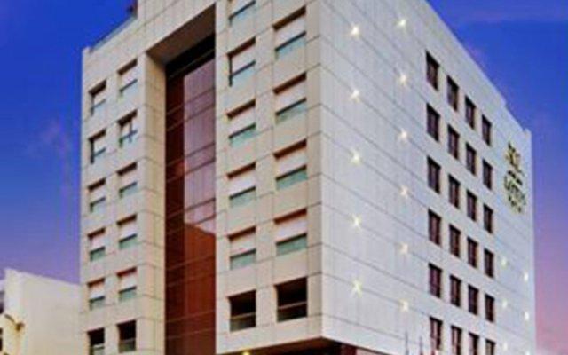 Отель Lotus вид на фасад