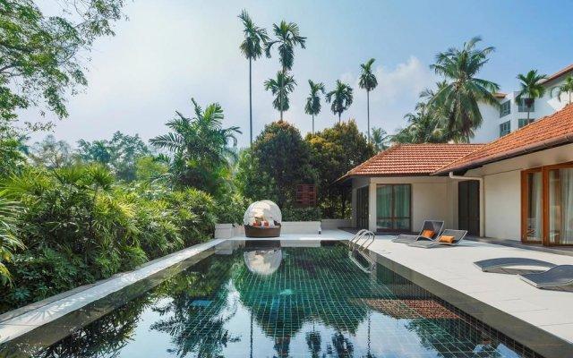 Отель Sofitel Singapore Sentosa Resort & Spa бассейн