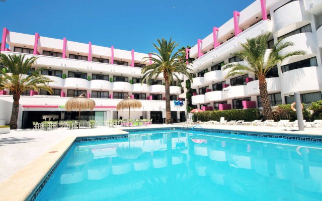 Отель Lively Mallorca - Adults Only бассейн