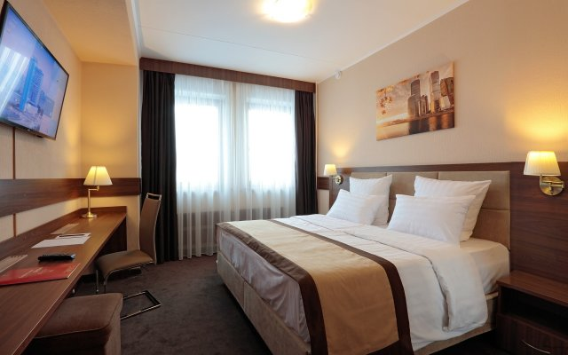 Гостиница Парк Тауэр в Москве 13 отзывов об отеле, цены и фото номеров - забронировать гостиницу Парк Тауэр онлайн Москва комната для гостей