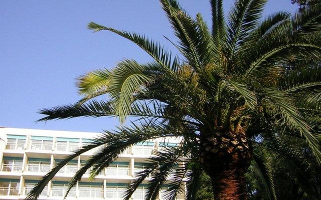Отель Holiday Inn Cannes