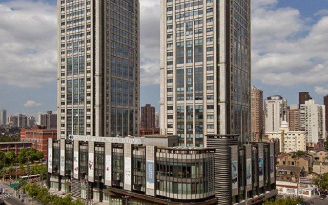 Отель DoubleTree by Hilton Shanghai Jing'an Китай, Шанхай - отзывы, цены и фото номеров - забронировать отель DoubleTree by Hilton Shanghai Jing'an онлайн вид на фасад