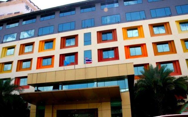 Boutique Pattaya Hotel вид на фасад
