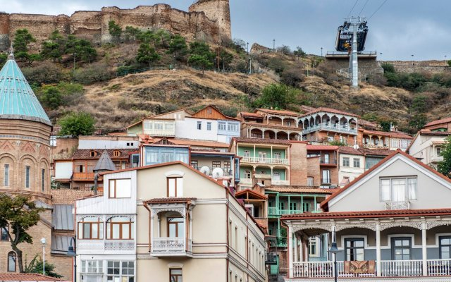 Отель Sheraton Grand Tbilisi Metechi Palace балкон