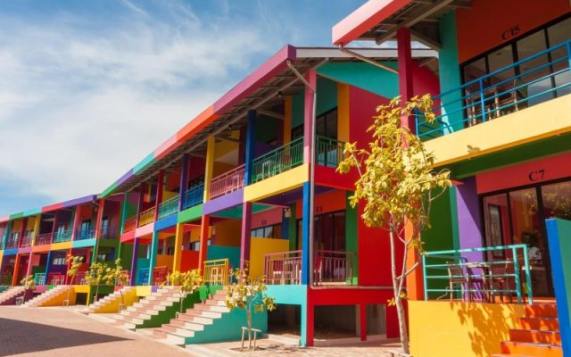 Отель Xanadu Beach Resort вид на фасад