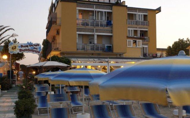 Hotel Estate пляж