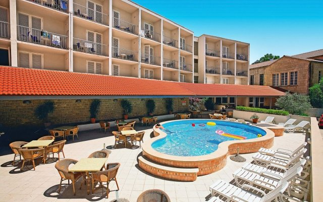 Lumbarda Hotel