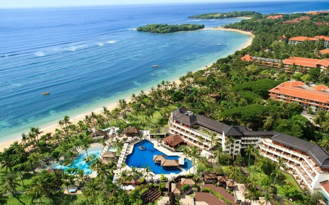 Nusa Dua Beach Hotel & Spa пляж