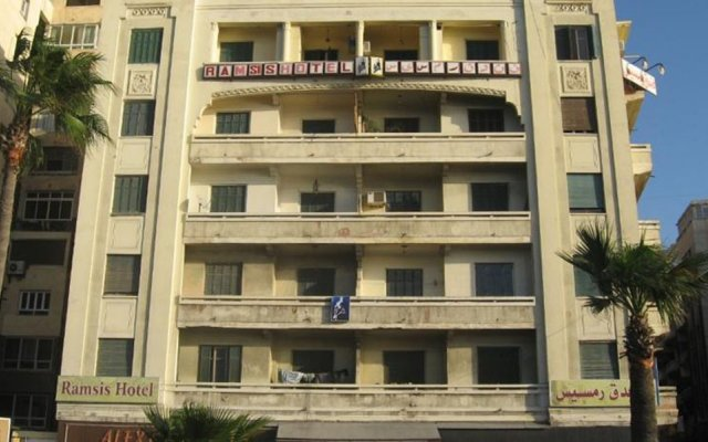 Ramsis Hotel Alexandria вид на фасад