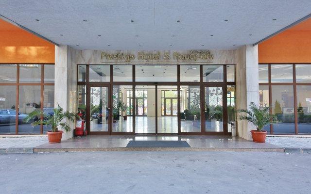 Prestige Hotel and Aquapark Золотые пески вид на фасад