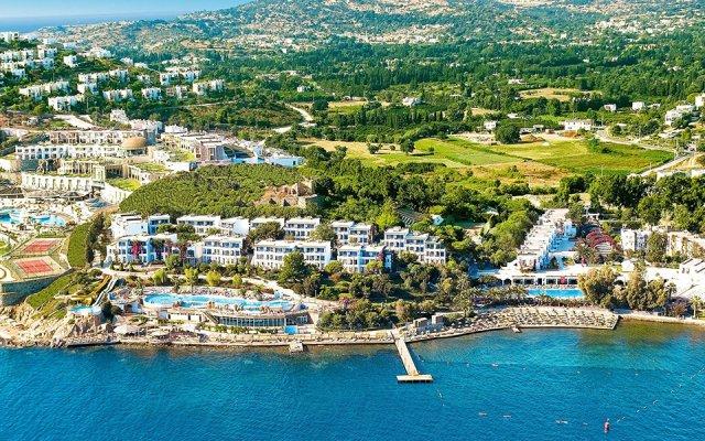 Отель Kadikale Resort – All Inclusive пляж