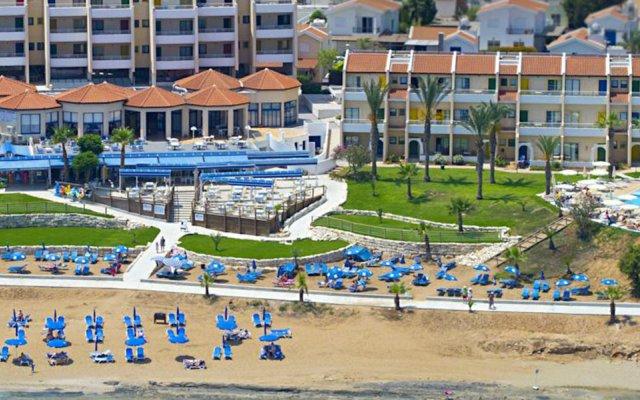 Myroandrou Beach Hotel пляж