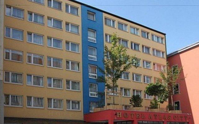 Отель Atlas City Hotel Германия, Мюнхен - 7 отзывов об отеле, цены и фото номеров - забронировать отель Atlas City Hotel онлайн вид на фасад