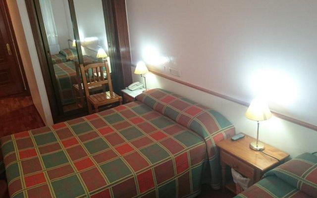 Отель Hostal-Cafeteria Gran Sol комната для гостей