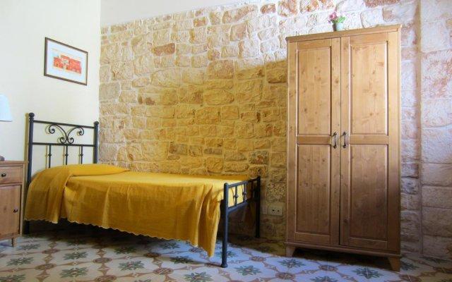 Отель Conte Orsini Suite Конверсано комната для гостей