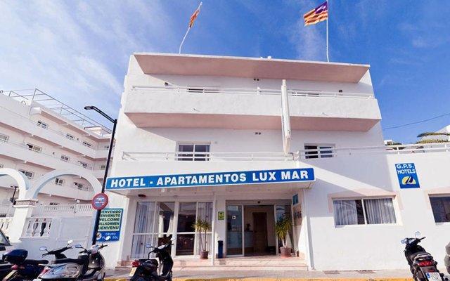 Отель Apartamentos Lux Mar Испания, Ивиса - отзывы, цены и фото номеров - забронировать отель Apartamentos Lux Mar онлайн вид на фасад