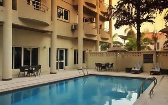 Отель Park Inn by Radisson, Lagos Victoria Island бассейн