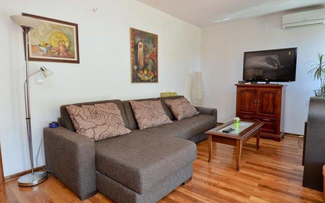 Апартаменты Apartment Mimoza 2 комната для гостей