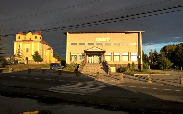 Гостиница Complex Dnister вид на фасад