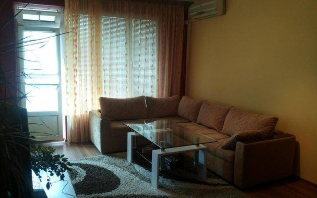 Отель Guest Rooms Ani Поморие комната для гостей