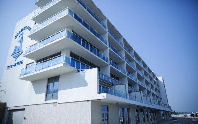 Гостиница Sovin'on Yakht-Klub вид на фасад