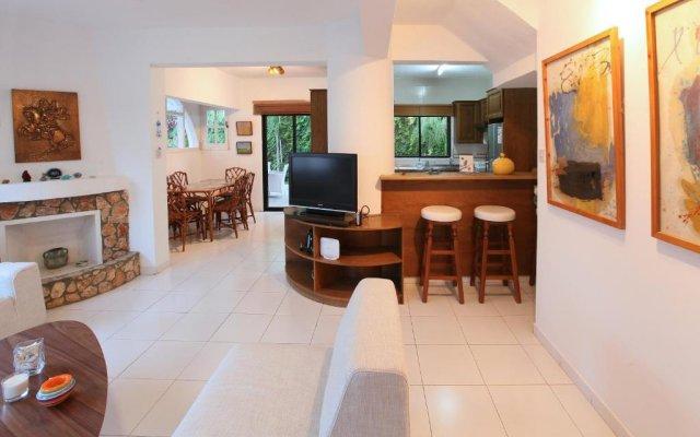 Отель Green Bay Villa Кипр, Протарас - отзывы, цены и фото номеров - забронировать отель Green Bay Villa онлайн комната для гостей