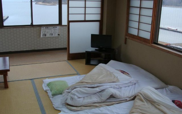 Отель Lake Side Inn Fujinami Яманакако комната для гостей