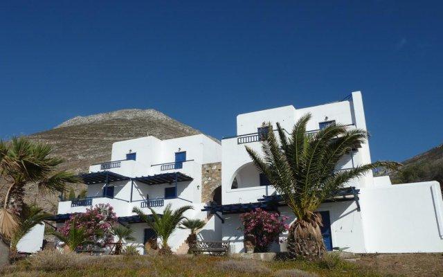 Отель Agios Pavlos Studios вид на фасад
