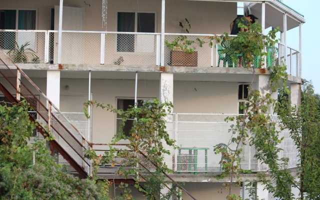 Гостиница Rodnoe mesto Tuapse вид на фасад