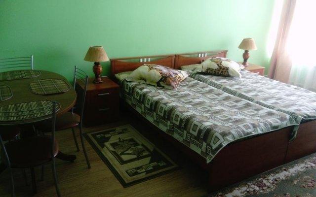 Гостиница on Rizhskaya 10 в Плескове отзывы, цены и фото номеров - забронировать гостиницу on Rizhskaya 10 онлайн Плесков комната для гостей