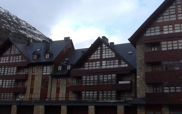 Отель Duplex Molieres вид на фасад