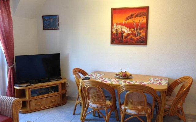 Отель Ludmilla Apartman комната для гостей