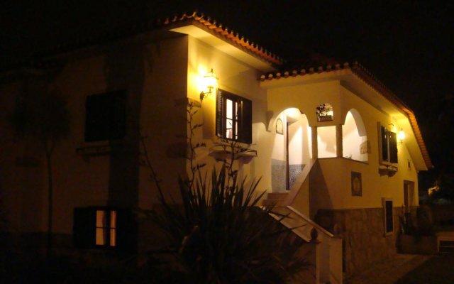Отель Casa De Hospedes Flor Do Jardim вид на фасад