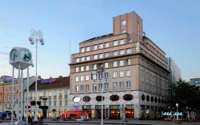 Hotel Dubrovnik вид на фасад