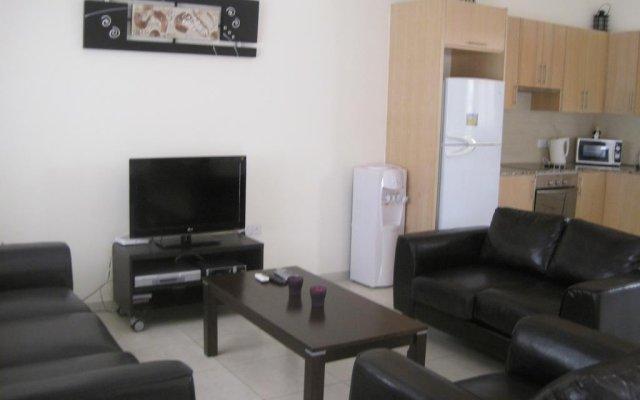 Отель Polyxenia Isaak Villa 30 Кипр, Протарас - отзывы, цены и фото номеров - забронировать отель Polyxenia Isaak Villa 30 онлайн комната для гостей