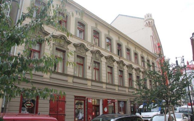 Апартаменты Mighty Prague Apartments вид на фасад