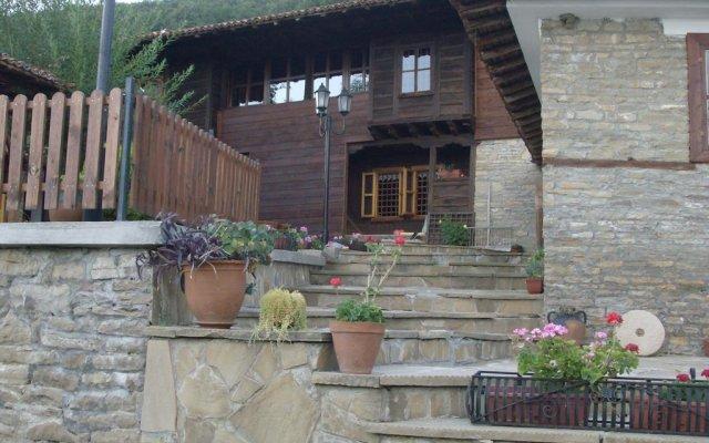 Отель Guest House Zarkova Kushta вид на фасад