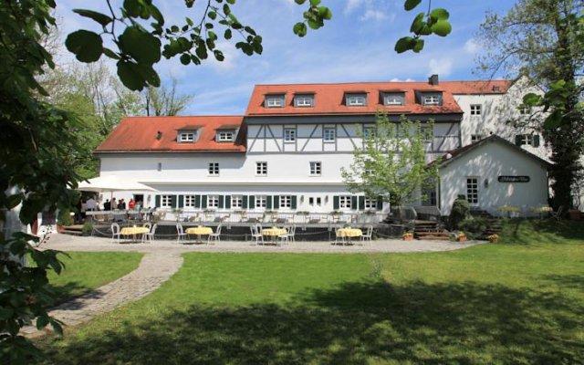 Отель Insel Mühle Германия, Мюнхен - отзывы, цены и фото номеров - забронировать отель Insel Mühle онлайн вид на фасад