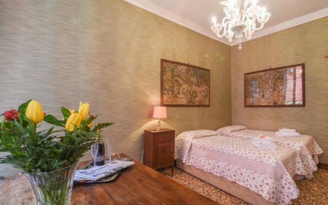 Отель Luxury Apartment in the Heart of Venice Италия, Венеция - отзывы, цены и фото номеров - забронировать отель Luxury Apartment in the Heart of Venice онлайн комната для гостей