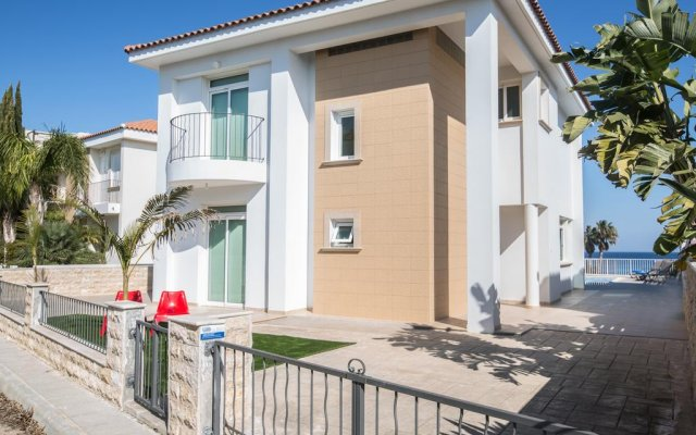 Отель Shaye Frontline Villa Кипр, Протарас - отзывы, цены и фото номеров - забронировать отель Shaye Frontline Villa онлайн вид на фасад